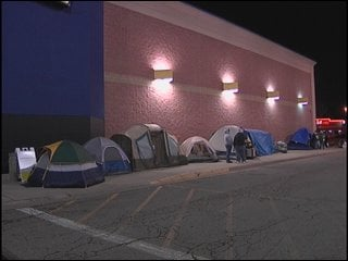 The professional Black Friday shoppers brought their tents!
