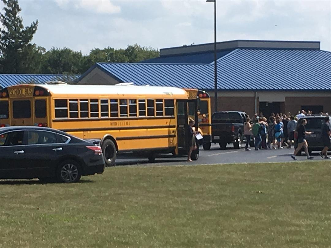 Students evacuate Mattoon High School (Credit: WAND-TV)