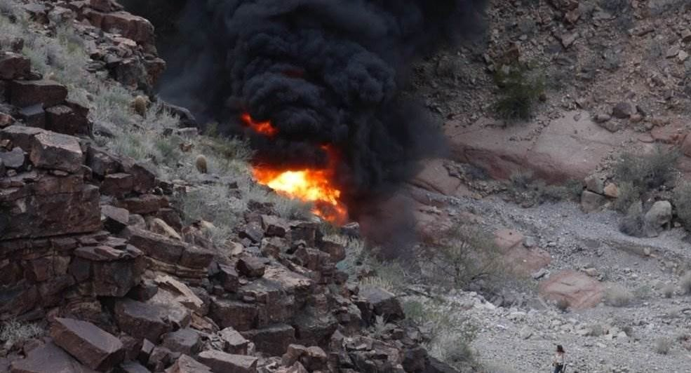 3 dead after helicopter crashes in Grand Canyon