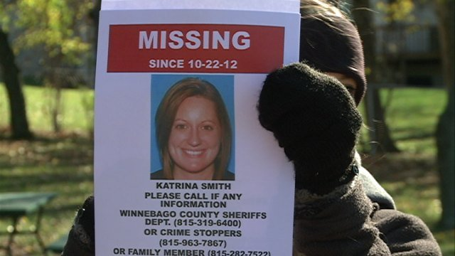 Volunteers search for Katrina Smith.