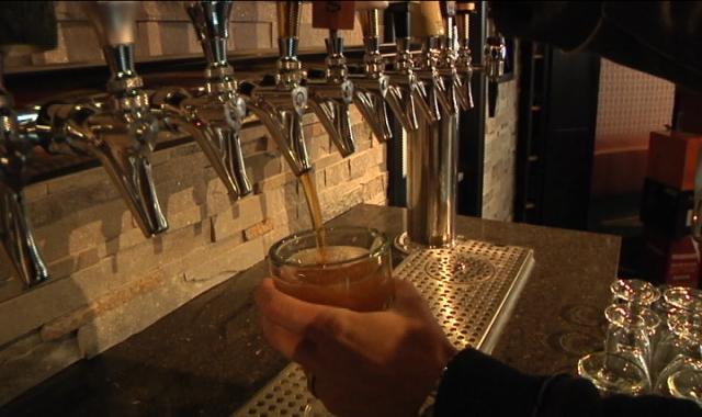 Sneak peek inside look at rockford 39 s newest bar wrex for Food s bar unloc