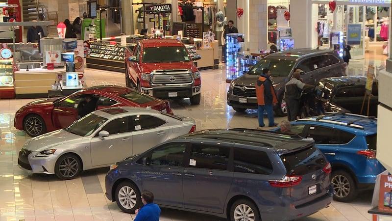 Cherry Vale Mall Hosts Annual Car Show KTTC Rochester Austin - Rochester car show